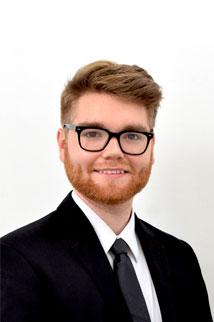 Real Estate Agent Ian Thomas
