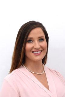 Real Estate Agent Danni Hauer
